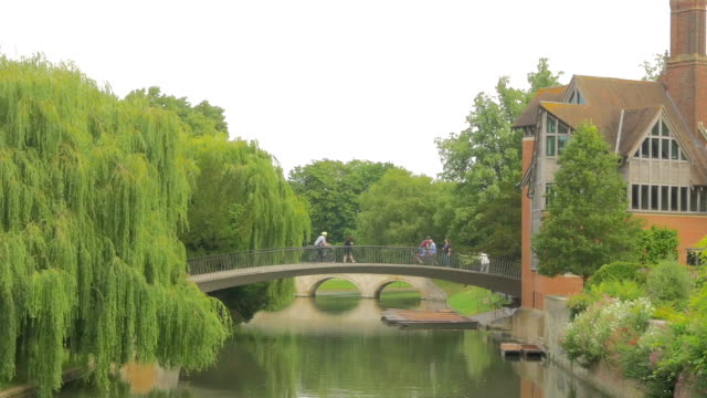 garret hostel bridge, cambridge, - oxford england stock videos & royalty-free footage