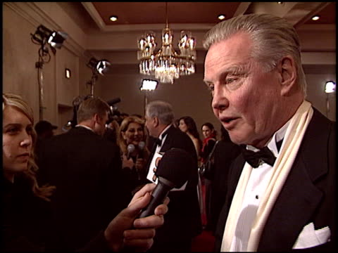 vídeos de stock, filmes e b-roll de garry marshall at the 2005 dga director's guild of america awards at the beverly hilton in beverly hills california on january 29 2005 - director's guild of america