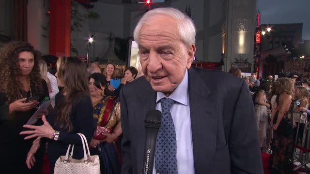 """garry marshall on tcl history and what it means to have a film premiere here at """"mother's day"""" world premiere at tcl chinese theatre on april 13,... - tcl chinese theatre stock videos & royalty-free footage"""