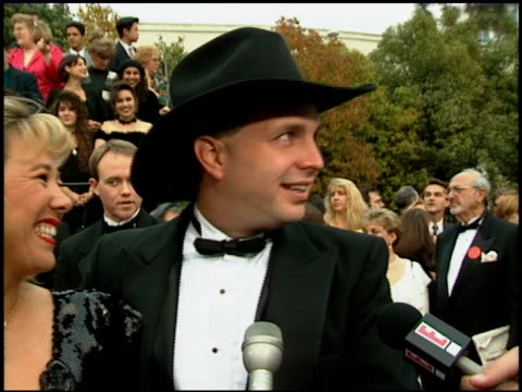 garth brooks at the 1994 people's choice awards at sony studios in culver city, california on march 8, 1994. - people's choice awards stock-videos und b-roll-filmmaterial