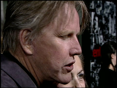 gary busey and vicki roberts at the 'entourage' premiere at the cinerama dome at arclight cinemas in hollywood, california on april 5, 2007. - ゲーリー ビジー点の映像素材/bロール