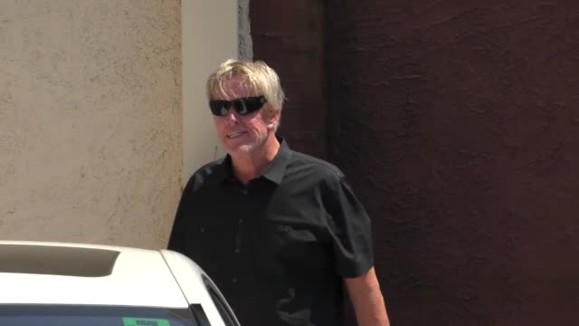 gary busey at dancing with the stars rehearsals studio in hollywood - celebrity sightings on sept 9, 2015 in los angeles, california. - ゲーリー ビジー点の映像素材/bロール