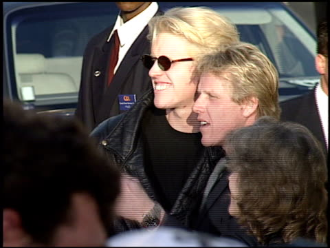 gary busey at the 'batman returns' premiere at grauman's chinese theatre in hollywood, california on january 1, 1992. - ゲーリー ビジー点の映像素材/bロール