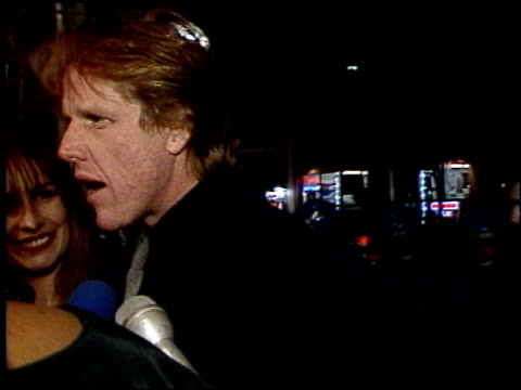 gary busey at the 'freejack' premiere at grauman's chinese theatre in hollywood, california on february 14, 1992. - ゲーリー ビジー点の映像素材/bロール