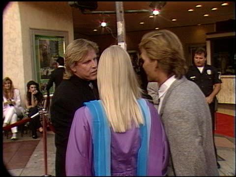 gary busey at the 'robin hood' premiere on june 10, 1991. - ゲーリー ビジー点の映像素材/bロール