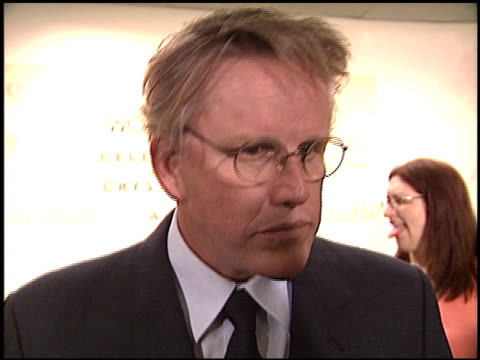 gary busey at the women in film awards at the century plaza hotel in century city, california on june 2, 2003. - ゲーリー ビジー点の映像素材/bロール