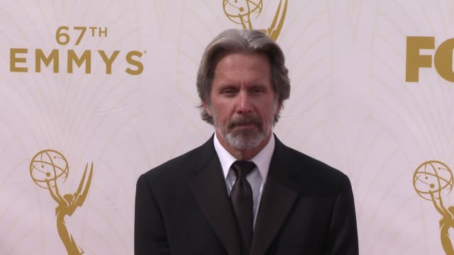 vidéos et rushes de gary cole at the 67th annual primetime emmy awards at microsoft theater on september 20, 2015 in los angeles, california. - annual primetime emmy awards