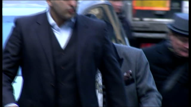 court arrival; england: london:southwark crown court: ext gary glitter arriving at court wearing black hat and sunglasses and press shouting out name... - gary glitter stock videos & royalty-free footage