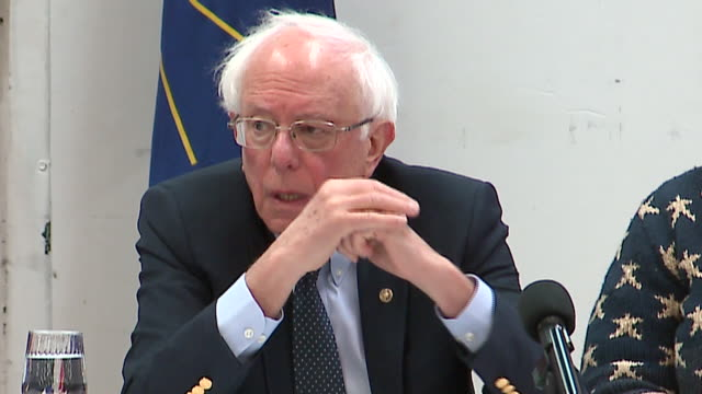 stockvideo's en b-roll-footage met wgn gary in us presidential candidate and us senator bernie sanders answering questions during a campaign stop at a community meeting at the genesis... - presidentskandidaat