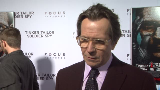 gary oldman on george smiley being such a delicious character to play at tinker tailor soldier spy red carpet on 12/6/2011 in hollywood ca - red delicious stock videos & royalty-free footage
