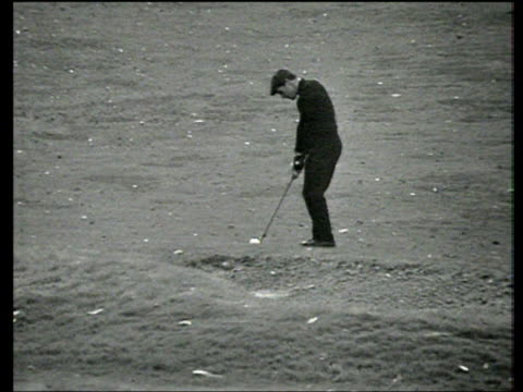 gary player plays chip and run in to 18th green world matchplay championship final wentworth 1968 - pga world golf championship stock videos & royalty-free footage
