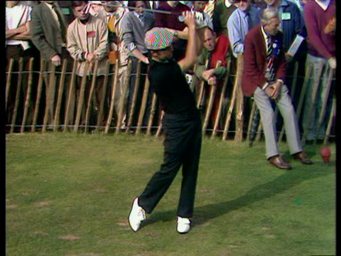 gary player tee shot just misses bunker and then luckily rolls back down hill onto fringe of green world matchplay championship final wentworth 1971 - pga world golf championship stock videos & royalty-free footage