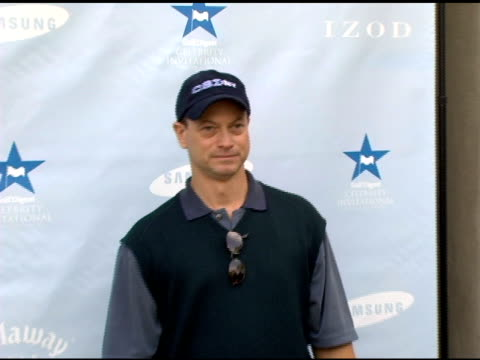 vídeos de stock e filmes b-roll de gary sinise at the golf digest celebrity invitational to benefit the prostate cancer foundation at riviera country club in pacific palisades,... - golf