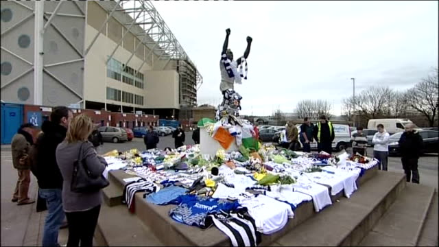 tributes and public support england yorkshire elland road leeds united football club tributes to gary speed sheffield bv fans laying tributes outside... - sheffield stock videos and b-roll footage