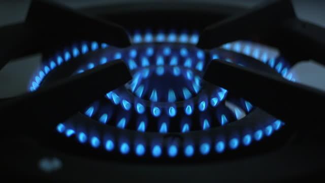 gas burner - goes out - ガスコンロ点の映像素材/bロール