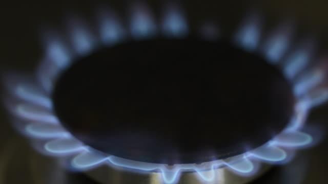 ガスコンロ、クリップ、ガスの燃焼、ガス - ガスコンロ点の映像素材/bロール