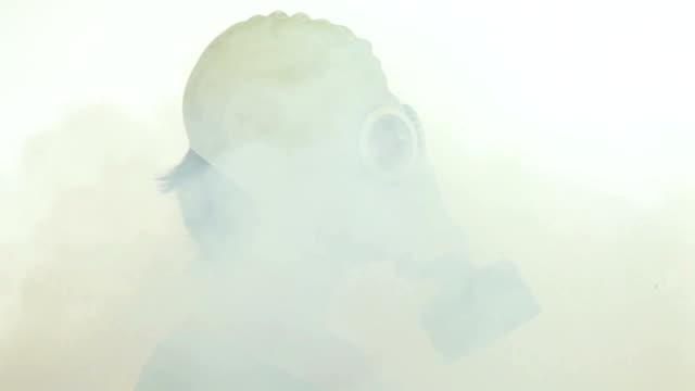 ガスマスク - ガスマスク点の映像素材/bロール
