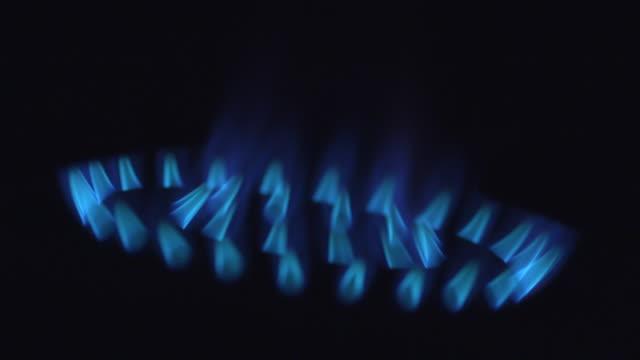 gas ring - goes out - ガスコンロ点の映像素材/bロール