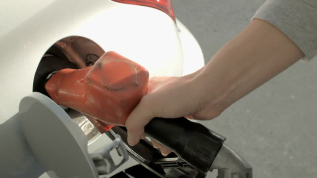 gas station. - tanken stock-videos und b-roll-filmmaterial