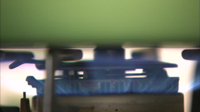 gas stove - ガスコンロ点の映像素材/bロール