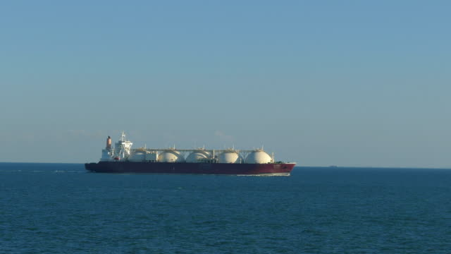 lng gas tanker - fossil fuel stock videos & royalty-free footage
