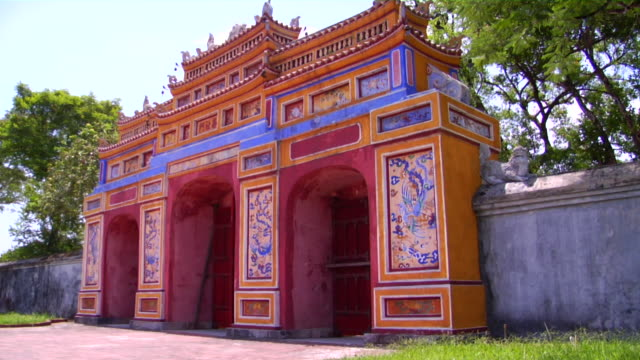 ms gate in imperial city, hue, vietnam - stationary process plate stock videos & royalty-free footage