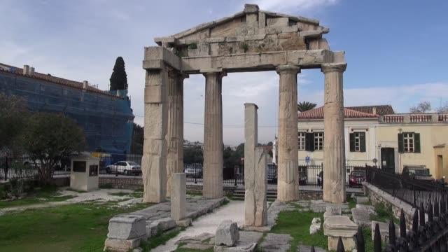 gate of athena archegetis in athens - ペディメント点の映像素材/bロール
