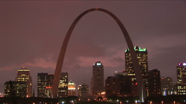gateway arch and st. louis skyline - jefferson national expansion memorial park stock videos & royalty-free footage