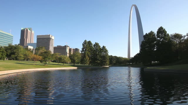 gateway arch - st. louis missouri stock videos & royalty-free footage