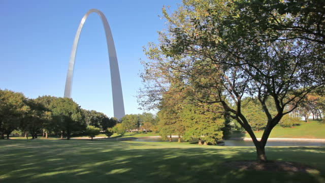 gateway arch - westward expansion stock videos & royalty-free footage