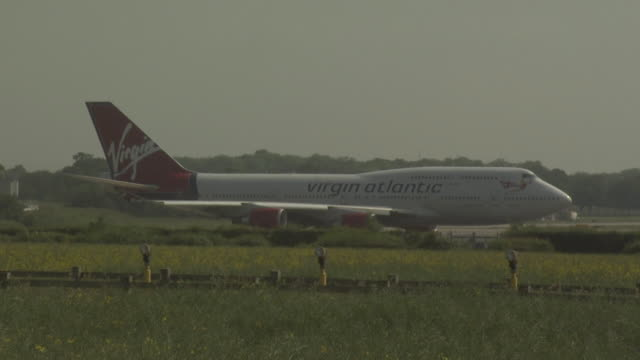 gatwick airport, uk, taxiing virgin atlantic boeing 747 - gatwick airport stock videos & royalty-free footage