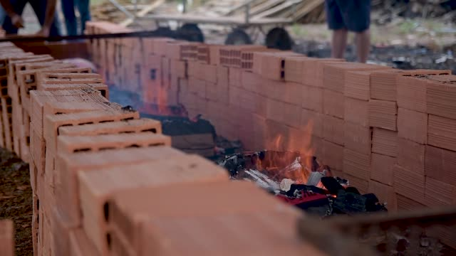 vídeos de stock e filmes b-roll de gaucho barbecue roasting on the grill. - gaúcho