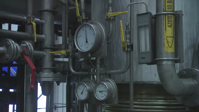 gauges in factory, england, united kingdom - messinstrument stock-videos und b-roll-filmmaterial