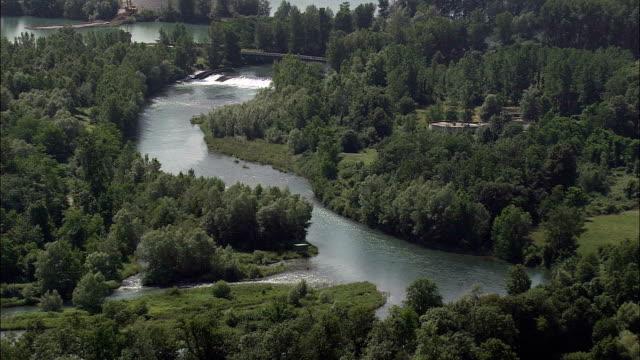 Hat De Pau River-Luftaufnahme-Aquitanien, pyrenees-orientales, Arrondissement d'Oloron-Sainte-Marie Hubschrauber beim Filmen, Antenne Video cineflex, Eröffnungsszene, Frankreich