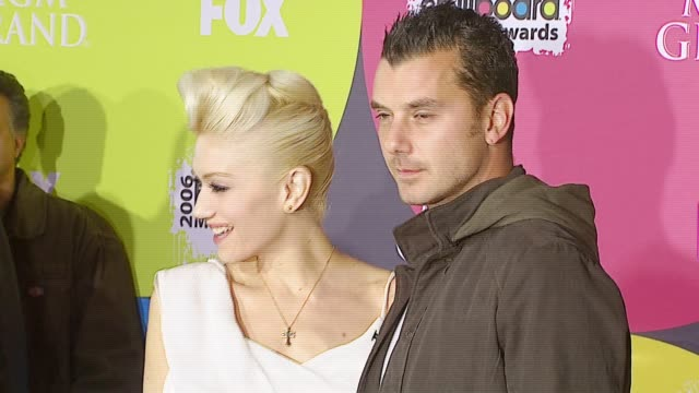 gavin rossdale and gwen stefani at the 2006 billboard music awards at the mgm grand hotel in las vegas nevada on december 4 2006 - mgm grand las vegas stock videos & royalty-free footage