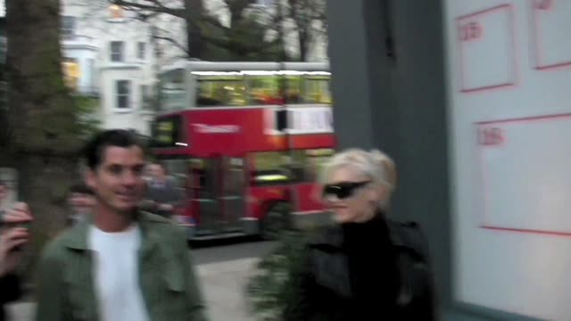 Gavin Rossdale and Gwen Stefani in Nottinghill Gate shopping at the Celebrity Sightings in London at London England