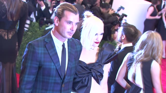 """gavin rossdale and gwen stefani """"punk: chaos to couture"""" costume institute gala at metropolitan museum of art on may 06, 2013 in new york, new york - gwen stefani stock videos & royalty-free footage"""