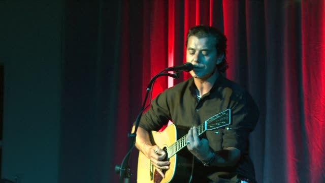 Gavin Rossdale at the 5th Annual KSwiss Desert Smash at Palm Springs CA