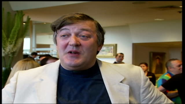 vidéos et rushes de london int stephen fry interviewed sot feelings want to get across in a pride march vary as history and our culture varies/ in the early days really... - turning on or off