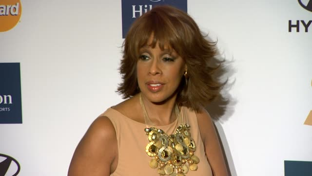 gayle king at clive davis and the recording academy's 2012 pre-grammy gala and salute to industry icons honoring richard branson on 2/11/12 in... - gayle king stock videos & royalty-free footage