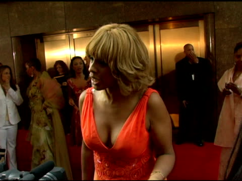 gayle king greets a friend at the 60th annual tony awards at radio city music hall in new york new york on june 11 2006 - radio city music hall stock videos & royalty-free footage