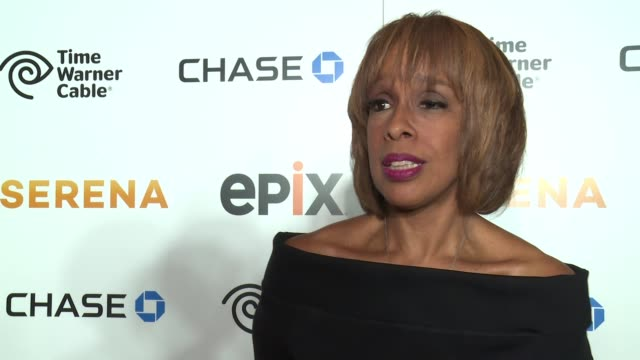 "gayle king on being smitten with serena at the premiere of epix original documentary ""serena"" - arrivals at sva theater on june 13, 2016 in new york... - ドキュメンタリー映画点の映像素材/bロール"