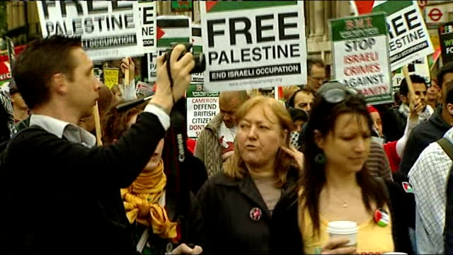 Israeli commandos overrun aid convoy killing ten activists London protest ENGLAND London EXT Members of the Stop the War Coalition marching to...