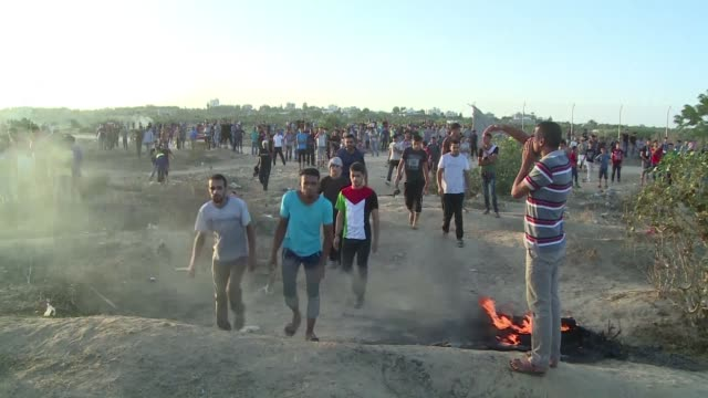 stockvideo's en b-roll-footage met gaza the tiny enclave on the mediterranean hit by three wars with israel since 2008 has been drawn into the unrest that erupted recently in annexed... - oost jeruzalem