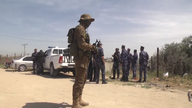 Gaza's Hamasrun Interior Ministry announced Thursday that its security forces had surrounded a group of men suspected of involvement in a recent...