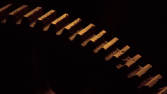 gears and hardware - speichen stock-videos und b-roll-filmmaterial