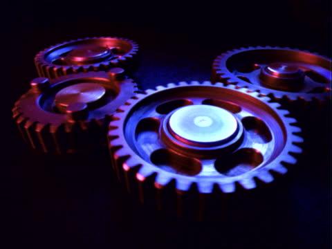 gears turning - 少数の物点の映像素材/bロール
