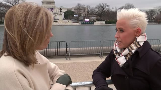 us gears up for donald trump's inauguration ceremony usa washington dc national mall ext laura schwartz along with reporter and interview sot re... - メアリー ナイチンゲール点の映像素材/bロール