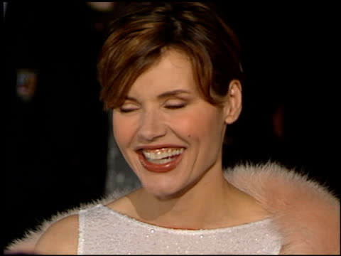 geena davis at the 1998 academy awards vanity fair party at morton's in west hollywood, california on march 23, 1998. - ジーナ デイヴィス点の映像素材/bロール