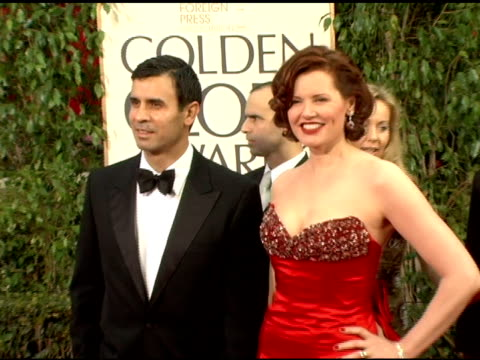 geena davis at the 2006 golden globe awards arrivals at the beverly hilton in beverly hills, california on january 16, 2006. - ジーナ デイヴィス点の映像素材/bロール